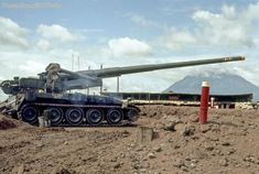Howitzer_Tay Ninh - Photo by Randy Barnes Vietnam War Photos, Vietnam Veterans, Army Crafts, Canon, Military Pictures, Big Guns, United States Army, Military Equipment, Armored Vehicles