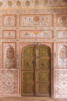 Reisgids Bikaner: tips, info en bezienswaardigheden Indian Architecture, Beautiful Architecture, Indian Interiors, India Art, Udaipur, Beautiful Wall, India Travel, World Cultures, Incredible India