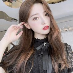 Find images and videos about girl, korean and ulzzang on We Heart It - the app to get lost in what you love. Korean Beauty Girls, Pretty Korean Girls, Cute Korean Girl, Asian Beauty, Asian Girl, Ulzzang Korean Girl, Uzzlang Girl, Pretty People, Girl Photos
