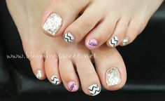 I know its Toe nails, but it's cute