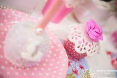 Cupcake com rosa e maça chocolate