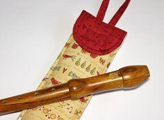 Sopránkové+pouzdro+o-lálálá...+Pouzdro+na+sopránovou+flétnu+má+rozměr+35+x+7+cm,+poutko,+bavlna,+vyztuženo,+možnost+praní+na+jemný+program+30°C,+žehlení+bavlna.+Tak+trochu+vánoční:)