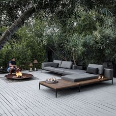 Best outdoor patio chaise lounge ideas must have in your backyard or front yard pool deck. Styles your home with these patio furniture chaise lounge design Outdoor Seating, Outdoor Rooms, Outdoor Gardens, Outdoor Living, Outdoor Decor, Outdoor Fire, Backyard Seating, Backyard Storage, Outdoor Daybed