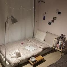 39 Awesome Modern Small Bedroom Design And Decor Ideas Study Room Decor, Small Room Bedroom, Dorm Room Inspiration, Bedroom Design, Simple Bedroom, Bedroom Decor, Aesthetic Bedroom, Simple Bedroom Decor, Room Design