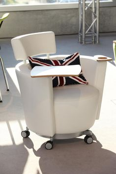 Hello chair from Haworth. Interested in creating a more innovative workplace? Contact Professional Office Environments, St. Louis' #1 Haworth dealer. (314) 621-0606