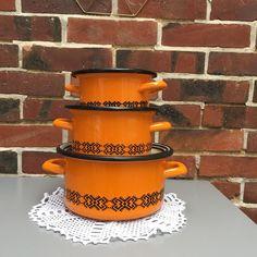 Orangevertevintage — Série de 3 Fait-tout Emaillés Marmites Vintage