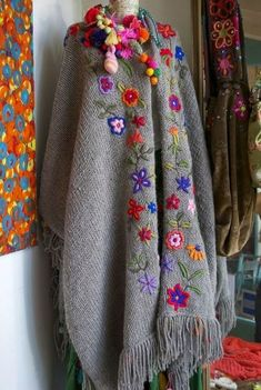 Gray and multi-color embroidered shawl/poncho with fringe Mexican Embroidery, Crewel Embroidery, Cross Stitch Embroidery, Embroidery Patterns, Stitch Patterns, Knitting Patterns, Crochet Patterns, Love Crochet, Crochet Shawl