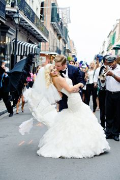 New Orleans Wedding with a second line wedding parade: www.bespoke-bride.com/ Photography: Mark Eric Weddings - http://www.markeric.com/