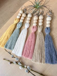 Tassel Keychain, Diy Keychain, Handmade Keychains, Wood Bead Garland, Beaded Garland, Diy Tassel, Tassels, Yarn Crafts, Bead Crafts