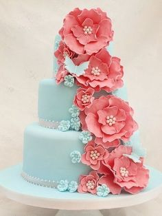 tiffany blue and coral wedding. I am not a flowery person or pink lover either, but I LoVE these colors together! And this cake is awesome! Not that I will be needing a wedding cake anytime soon. Fancy Cakes, Cute Cakes, Pretty Cakes, Gorgeous Cakes, Amazing Cakes, Love Cake, Creative Cakes, Creative Ideas, Cake Creations