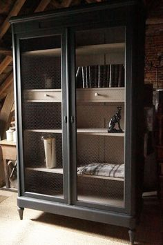 cabinet-library-storage-black patina-cage-a-chicken-style-vintage - Trend Industrial Furniture 2019 Industrial Furniture, Diy Furniture Restoration, Refurbished Furniture, Black Bookcase, China Furniture, Refinishing Furniture, Recycled Furniture, Farmhouse Furniture, Armoire Diy