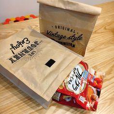 早くも品薄!? キャンドゥ「紙袋風ランチバッグ」が保冷機能つきで優秀すぎ♩ - macaroni