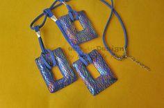 piezas en azul y oro craquelados