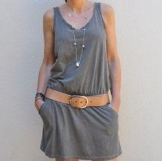 Vestido corto escote pico