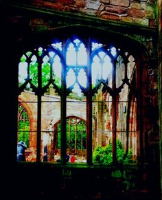Coventry Cathedral Ruins, photo by Jayne Heatley 2013