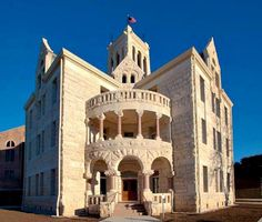 The Comal County Courthouse in New Braunfels. Since we'll be in New Braunfels anyway, I thought J & E might be interested in this courthouse. Texas Roadtrip, Texas Travel, Texas Treasures, Texas County, Only In Texas, Living In Arizona, Loving Texas, Texas Pride, Lone Star State