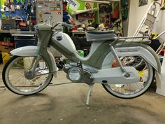 Moped Scooter, Classic Motorcycle, Vans, Sport Bikes, Custom Bikes, Vehicles, Motorcycles, Times, Old Bikes