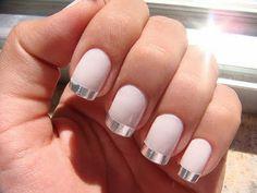 Matte nails, w a metalic tip!