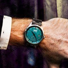 Streamliner non è solo un orologio, ma una vera e propria filosofia di design, di stile. Come dice il nome stesso, per questo orologio ci siamo ispirati alle linee futuristiche degli anni '20 e '30, per creare un oggetto che racchiudesse in sé stile, futurismo, classicità e unicità senza tempo.