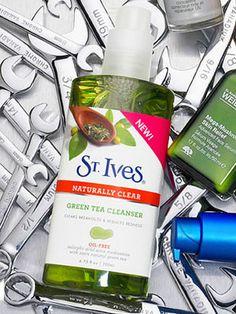 Breakout Blocker  St. Ives Naturally Clear Green Tea Cleanser
