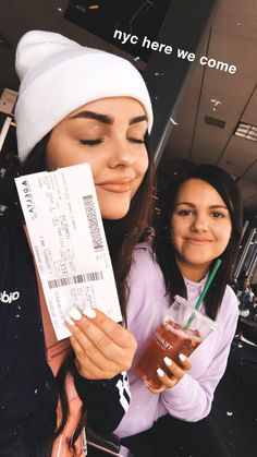 airport travel best friends bff, , My Style - My Favorite, Bff Goals, Best Friend Goals, Best Friends, Friends Instagram, Instagram Story Ideas, Travel Pictures, Travel Photos, Airport Photos, How To Pose