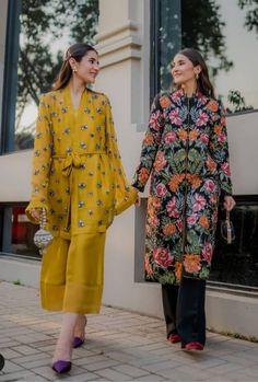 Beautiful Pakistani Dresses, Pakistani Formal Dresses, Pakistani Fashion Party Wear, Pakistani Dress Design, Pakistani Outfits, Indian Dresses, Fancy Dress Design, Stylish Dress Designs, Designs For Dresses