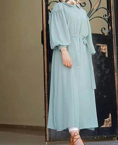 ZAFUL offers a wide selection of trendy fashion style women's clothing. Modern Hijab Fashion, Modesty Fashion, Hijab Fashion Inspiration, Abaya Fashion, Fashion Dresses, Diy Fashion, Iranian Women Fashion, Islamic Fashion, Muslim Fashion