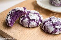 Easy to Make Ube Crinkles Recipe - Bake Happy. Next time I need to use more icing sugar and make smaller cookies.