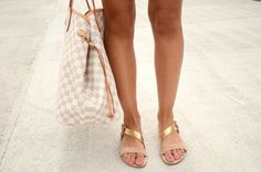 pretty sandals +++For tips + ideas on #style and #fashion,visit http://www.makeupbymisscee.com/
