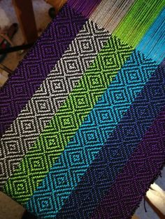 What a gorgeous warp - totally my kind of colourway! The subtle weft really… Inkle Weaving, Weaving Tools, Card Weaving, Weaving Projects, Weaving Art, Tapestry Weaving, Basket Weaving, Types Of Weaving, Weaving Designs