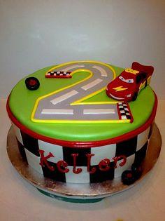 @KatieSheaDesign ♡❤ #Cars ❥  car theme cake