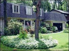 Beautiful yard with beautiful windows!