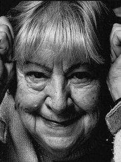 Gloria Fuertes - writer.  Fotografía: Carlos Miralles poetisa y literatura infantil n.en Madrid en 1917+1998 Madrid