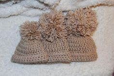 3 sizes for these cute crochet baby beanies! FREE Crochet Patterns