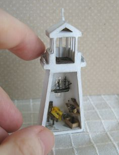 1:144th scale lighthouse