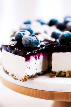 Can you believe it's real!? Healthy paleo yogurt cheesecake recipe. Filled with a tangy and sweet creamy yogurt filling and topped off with fresh blueberry compote. Vegan, gluten free, and dairy free! Incredibly creamy and satisfying! Raw paleo cheesecake recipe. No bake cashew cheesecake. Best gluten free vegan cheesecake. Raw paleo cheesecake recipe. No bake cheesecake recipe. Paleo cream cheese. Best paleo dessert recipes. easy cashew cheesecake. Blueberry cake recipes. best paleo…