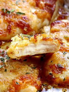 Full of flavor, moist, tender melt in your mouth chicken and best of all, simple to make! Melt In Your Mouth Chicken Prep Time: 5 minutes Yummy Chicken Recipes, Crockpot Recipes, Cooking Recipes, Yummy Food, Chicken Beast Recipes, Tasty Food Recipes, Best Baked Chicken Recipe, Moist Baked Chicken, Chicken Potato Bake