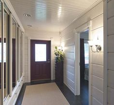 Avara eteinen Log Homes, White Wood, Bathtub, Home And Garden, Beautiful Interiors, Logs, Building, House Ideas, Houses