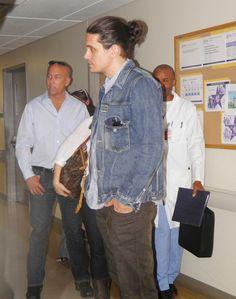 John visits Walter Reed Medical Center in Washington, DC 4.25.12