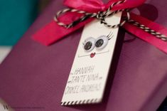 DIY gift name tags to the kids. Nametags For Kids, Name Tags, Kid Names, Gift Tags, Wraps, Paper Crafts, Gift Wrapping, Christmas, Cricut