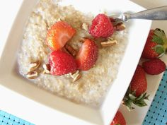 Quinoa Berry Breakfast Bowls - Healthy and YUM!!