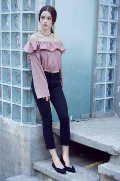 - I Love Dasha Taran ✨ - Dasha Taran for Valmuer Autumn Collection Plain Girl, Cute Beauty, Just Girl Things, Famous Women, Ulzzang Girl, Fashion Pants, Asian Woman, Girl Photos, Cute Poses