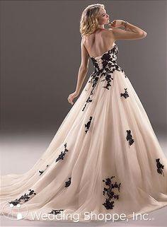 Maggie Sottero Bridal Gown Cosette / 3MT781