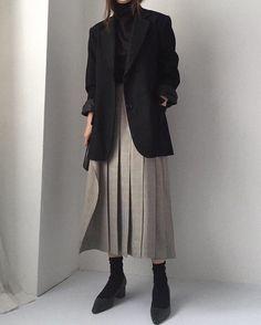 Best Outfits Part 4 Modest Fashion, Hijab Fashion, Korean Fashion, Fashion Outfits, Womens Fashion, Blazer Fashion, Mode Ootd, Mode Hijab, Mode Outfits