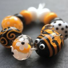 beads by laura - beads by laura 'Bzzzzz' – Lampwork glass beads handmade by Laura Sparling – Beads by Laura Clay Beads, Lampwork Beads, Glass Bead Game, Glass Art, Bead Crafts, Jewelry Crafts, Beads Of Courage, Glass Animals, Beaded Animals