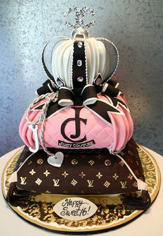 Juicy Couture~Chanel~ Louis Vuitton Cake Here it is mom.you asked what cake I wanted you to make for my bday, well here it is :)! Gorgeous Cakes, Pretty Cakes, Cute Cakes, Amazing Cakes, Crazy Cakes, Fancy Cakes, Unique Cakes, Creative Cakes, Bolo Channel