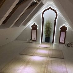 The inside of an Islamic mosque 🕌. The inside of an Islamic mosque 🕌. Room Inspiration, Design Inspiration, Design Ideas, Prayer Corner, Islamic Decor, Prayer Room, Room Interior Design, Prayers, Villa
