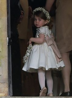 Princess Charlotte serves as flower girl at aunt Pippa Middleton's wedding ceremony to James Matthews on May 2017 (REX/Shutterstock) Princess Kate, Prince And Princess, Little Princess, Prince Harry, Princess Flower, Princess Eugenie, Lady Diana, Pippa Middleton Wedding, Middleton Family