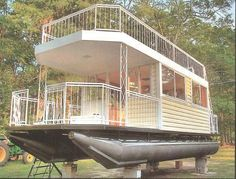 """Sarah said we should call this """"gloating"""" for glamorous boating as in """"glamping"""" for glamorous camping. Trailerable Houseboats, Small Houseboats, Pontoon Houseboat, Houseboat Living, Pontoon Boats, Pontoon Party, Party Barge, Floating Architecture, Shanty Boat"""