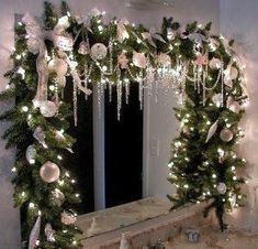 christmas window swags More Christmas tree inspirations Holiday Forum GardenWeb Silver Christmas, Noel Christmas, Rustic Christmas, Christmas Wreaths, Christmas Crafts, Christmas Kitchen, Christmas Bathroom Decor, Christmas Windows, Christmas Mantels